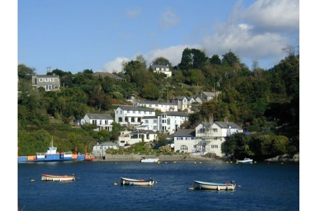 Bodinnick Village & Ferry