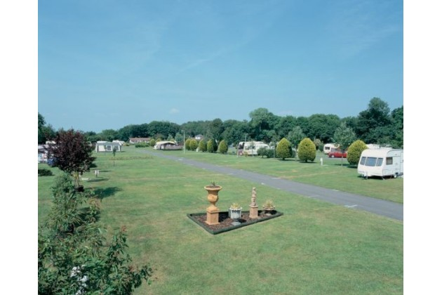 Photo of Merley Court Touring Park (shorefield)