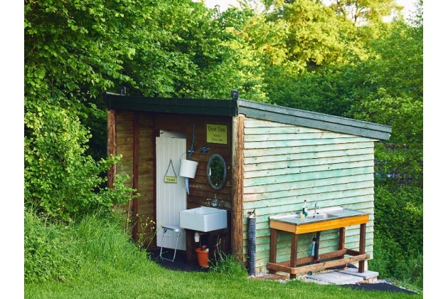Spotless compost loos