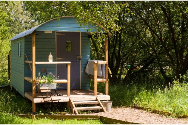 Summer Shepherd's Hut glamping, Devon