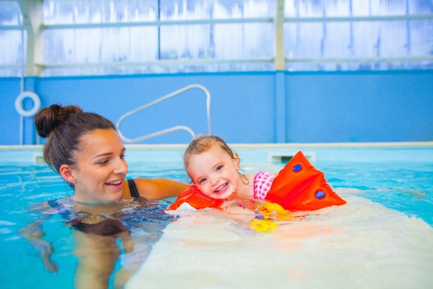 Baby pool and main pool separation is perfect for playing with toys