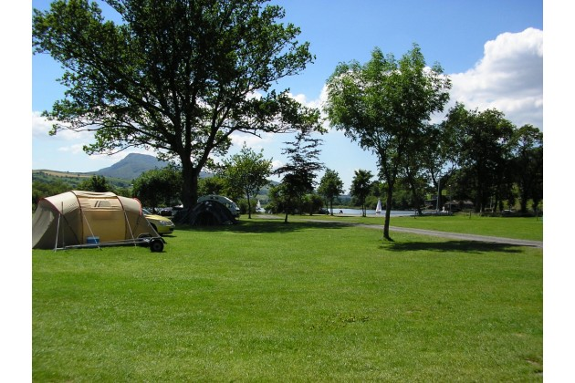 camping pitches near the lake